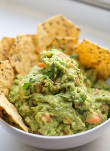 Guacamole with chips