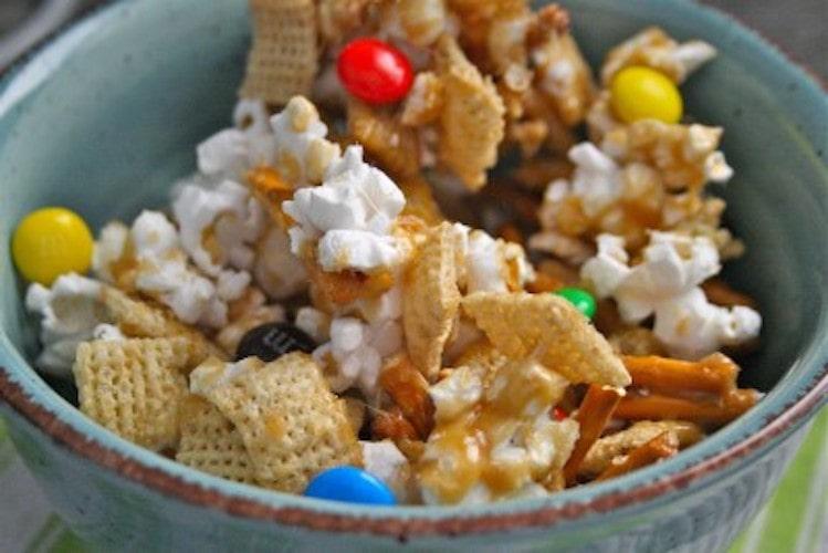 A bowl of crunchy caramel munch mix