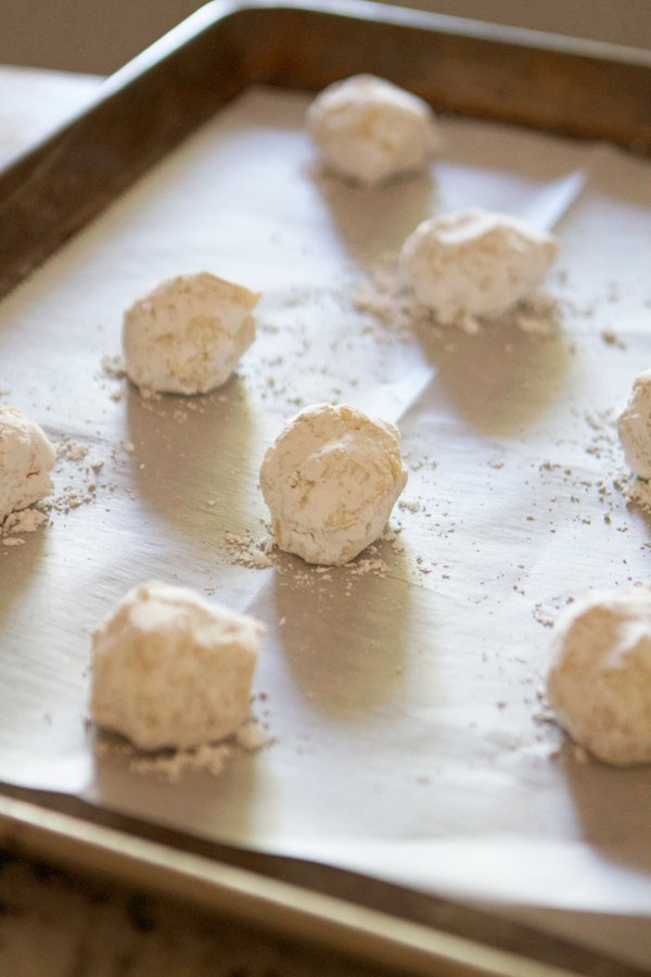 Lemon Crinkle Cookies are chewy, soft, and bursting with hints of lemon in every bite!