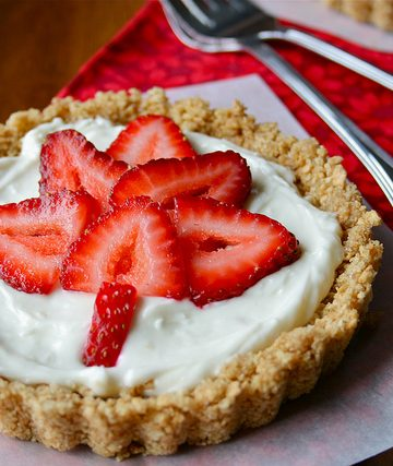 Strawberry Maple Leaf Cheesecake Tarts