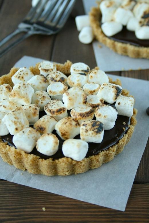 Chocolate Truffle S\'more Tarts