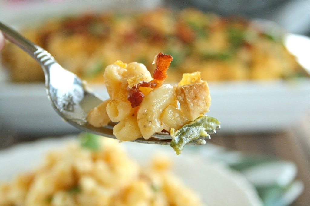 Jalapeno Popper Buffalo Chicken Macaroni and Cheese