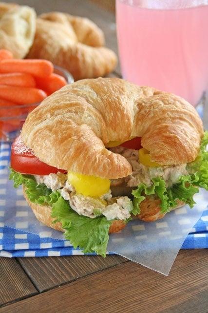 The best tuna fish salad sandwich lauren 39 s latest for Who has the best fish sandwich