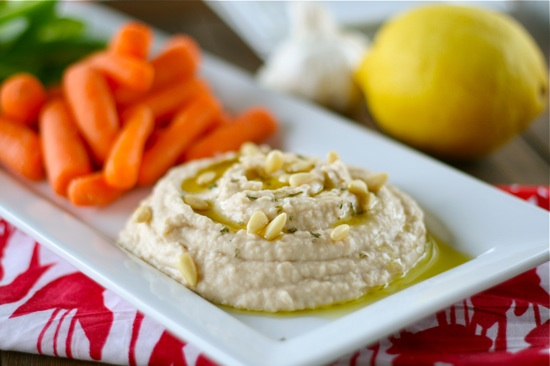 Roasted Garlic & White Bean Hummus