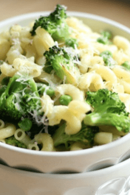 macaroni with broccoli and peas