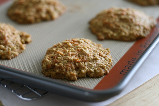 Healthy Carrot & Oat Breakfast Cookies