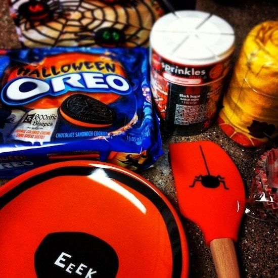 Oreo Spider Web Cookie Pizza Ingredients