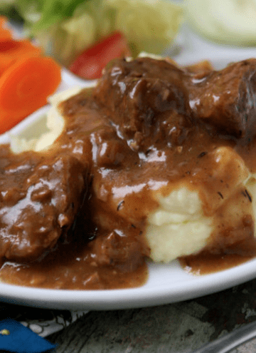 Slow Cooker Tri Tips & Gravy with Mashed Potatoes