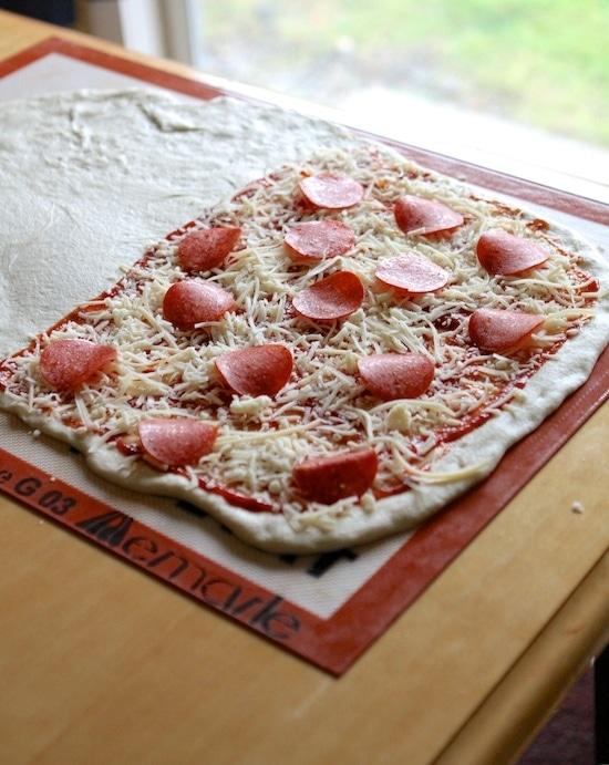 preparing pizza knots