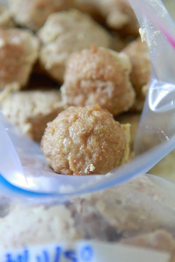 Freezer Turkey Meatballs from www.laurenslatest.com