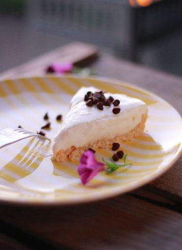 Guilt-Free No-Bake Cheesecake {high protein, gluten-free}