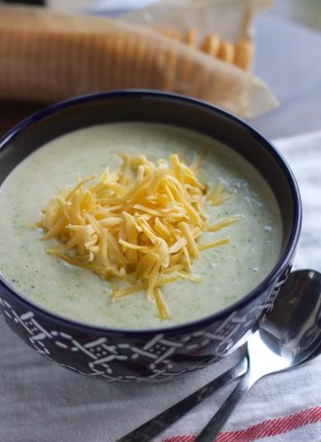 10-Minute Broccoli Cheese Soup