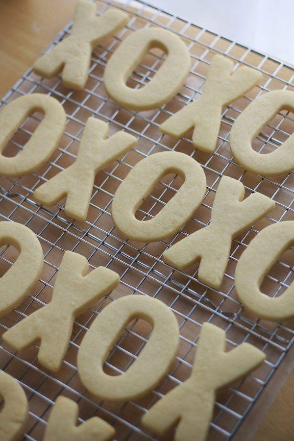 XO cookies on cooling rack