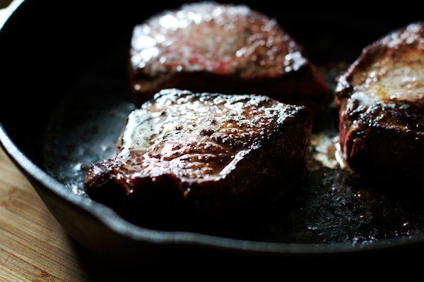 how to cook thin cut steak on the stove