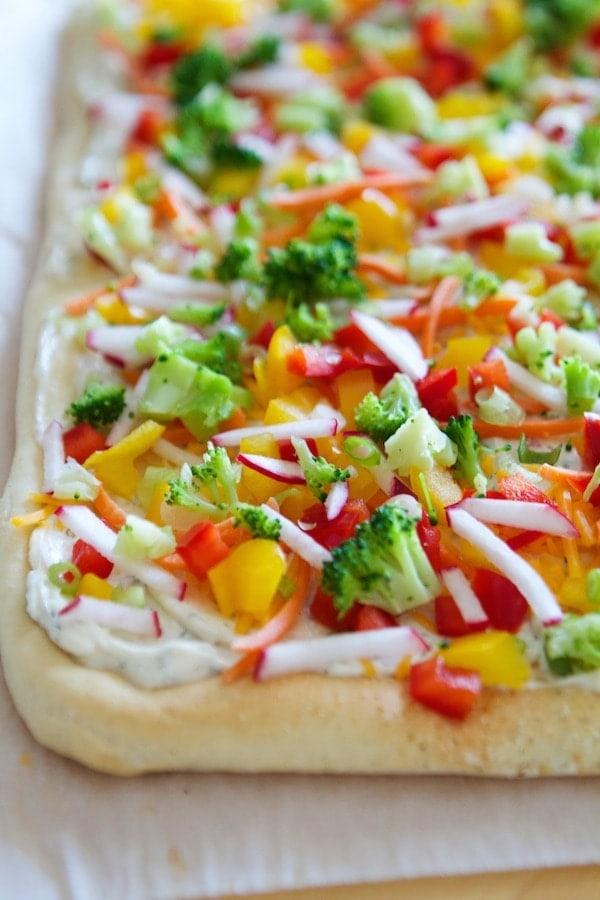 Raw Veggie Pizza Bars