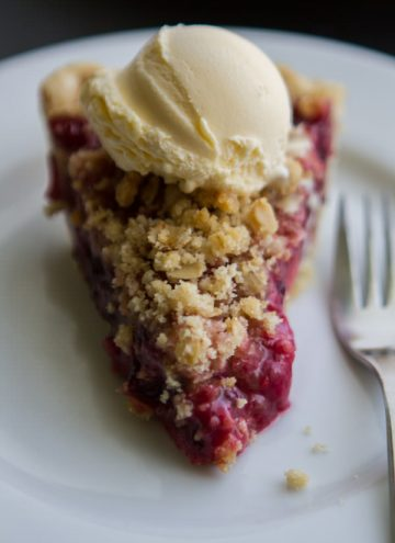 Mixed Berry Streusel Pie