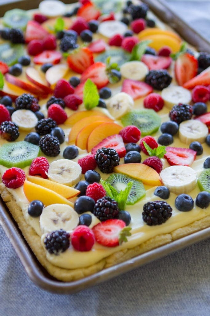 finished fruit pizza on table