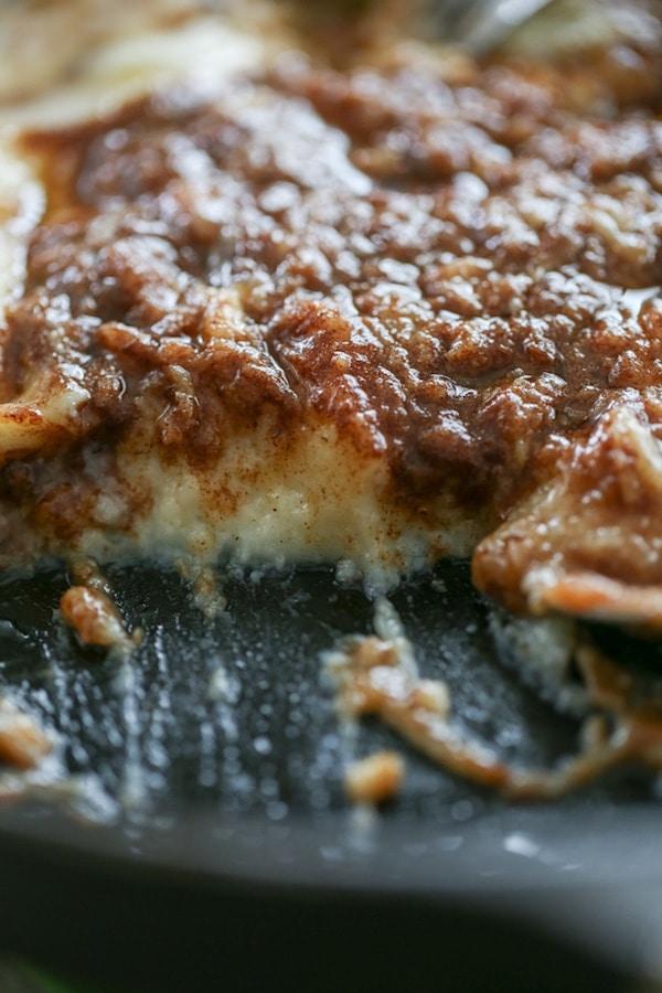 Cinnamon Roll Cheesecake Dip