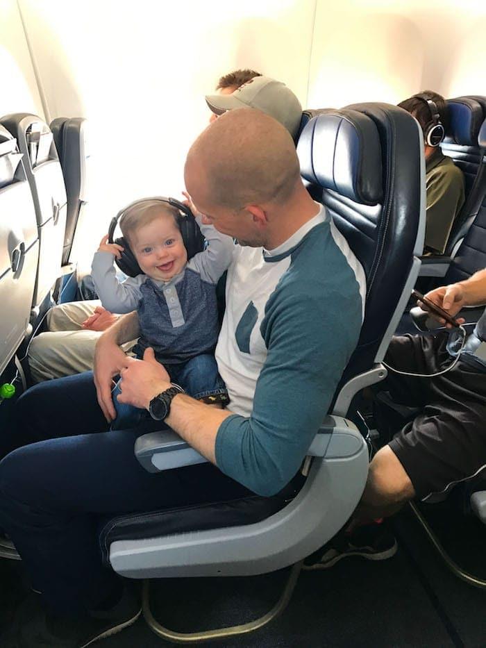 Gordon with Eddie on a plane