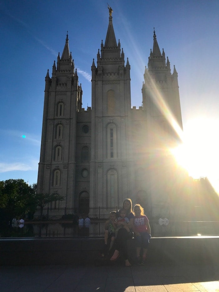 Lauren and the kids in front of the SLC LDS Temple