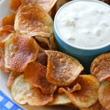 kettle chips with onion dill dip