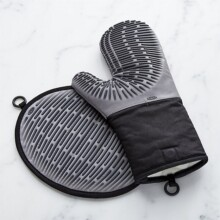 OXO Silicone Oven Mitt and Pot Holder