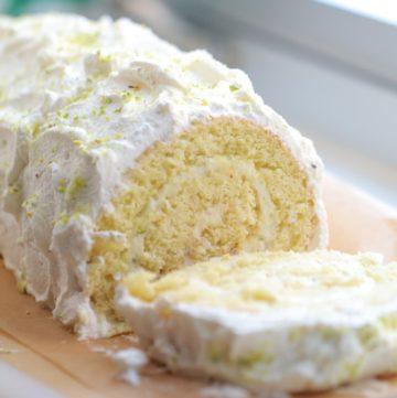 Lemon Swiss Roll Cake