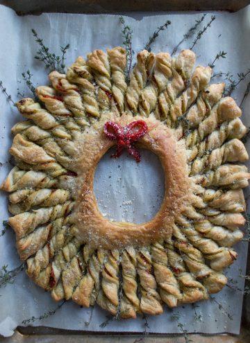 Puff Pastry Pesto Wreath
