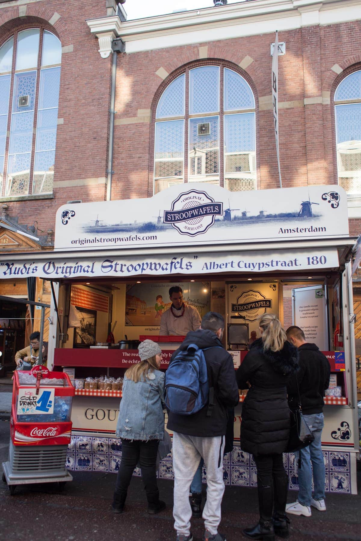 A Stroop waffle Stand