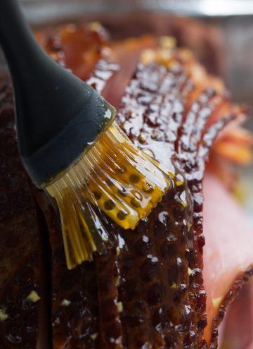 Glazing baked ham