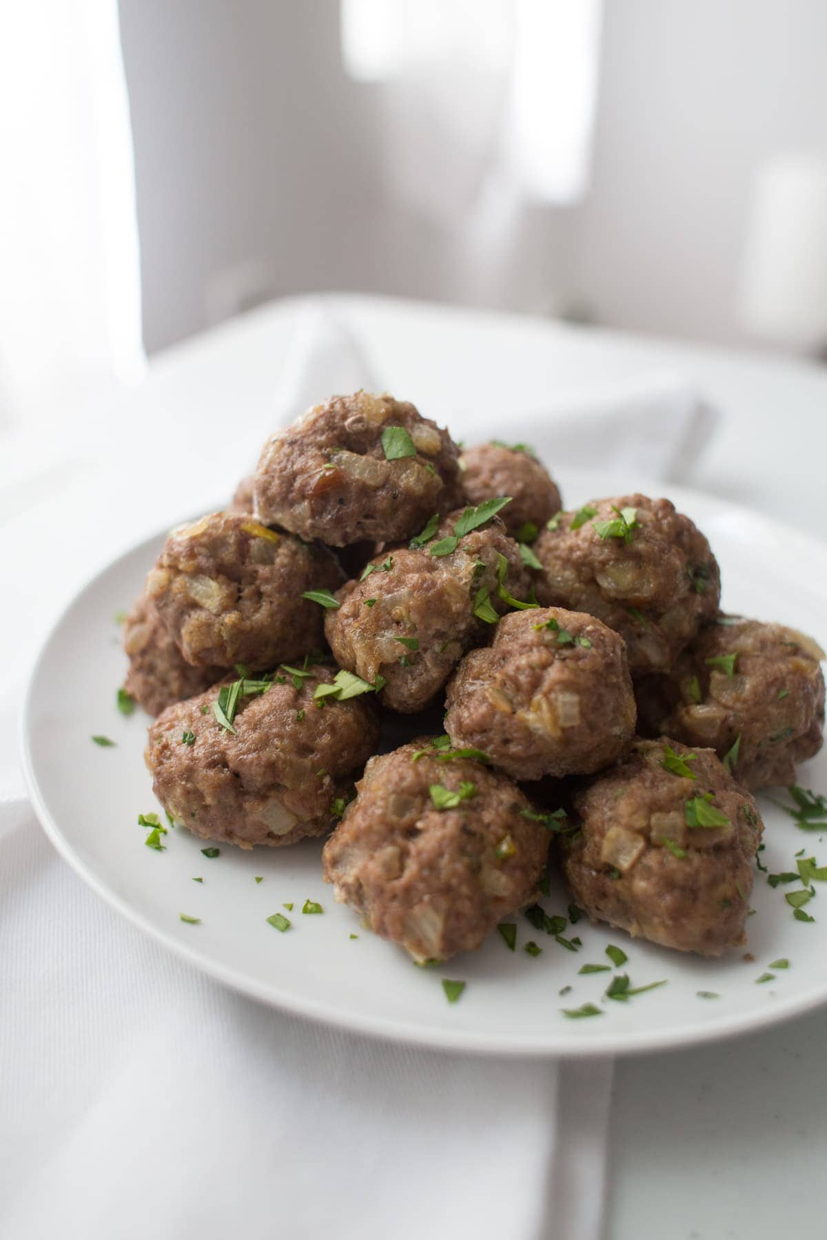 A plate of meatballs