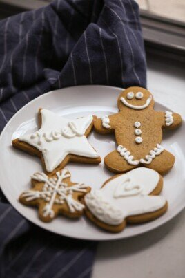 Decorated gingerbread cookies