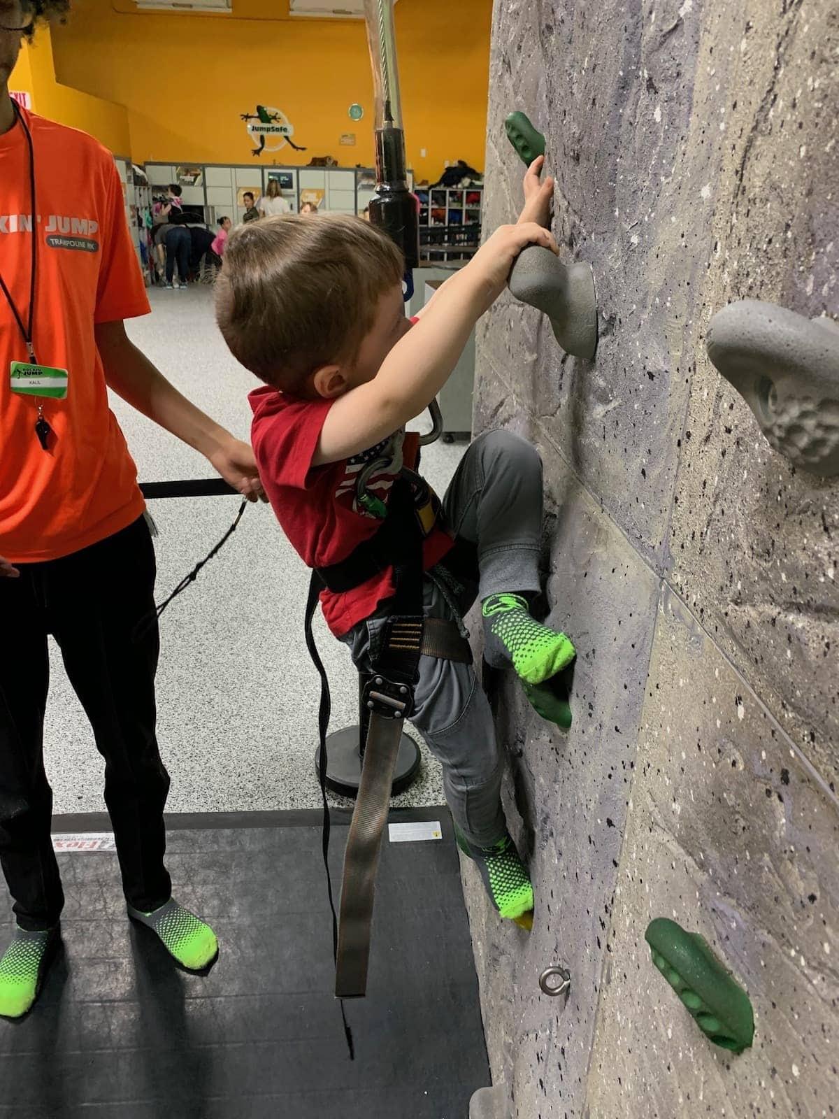 Eddie rock climbing