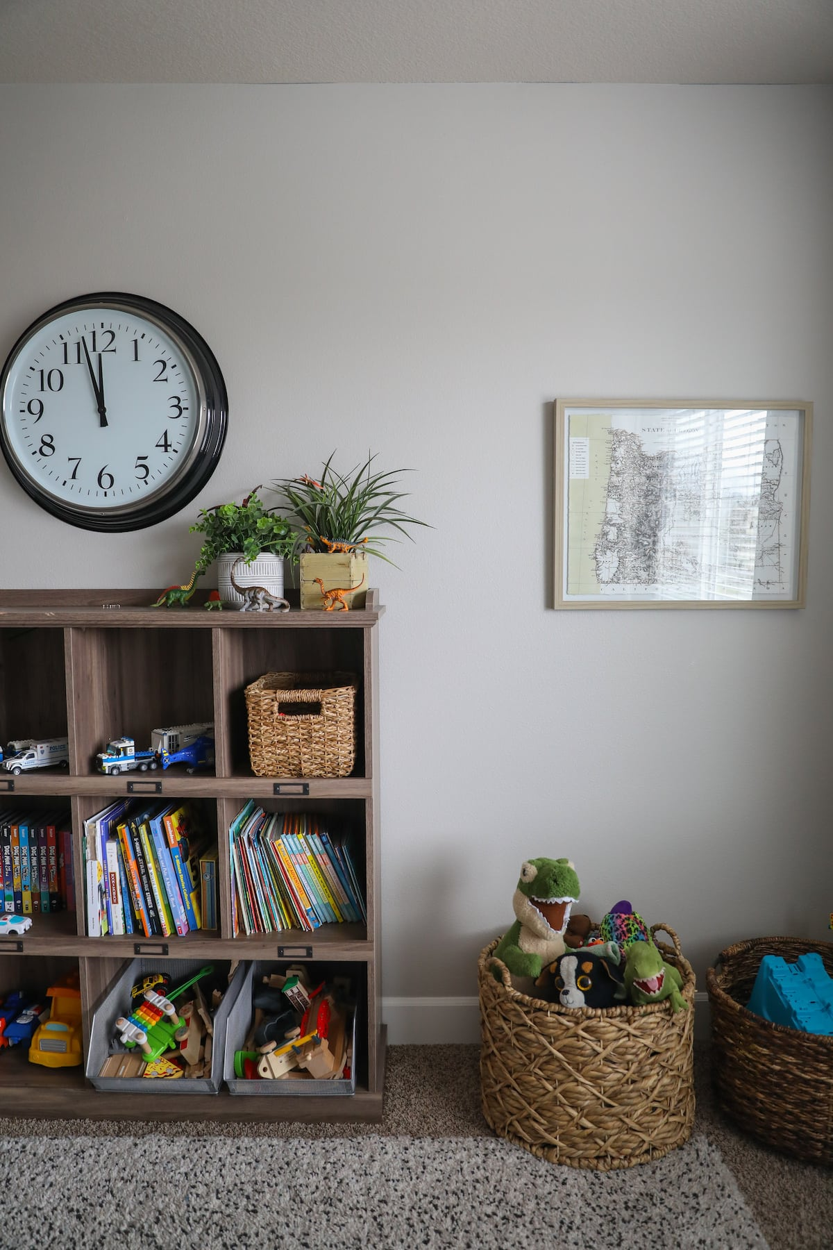 book shelf and baskets