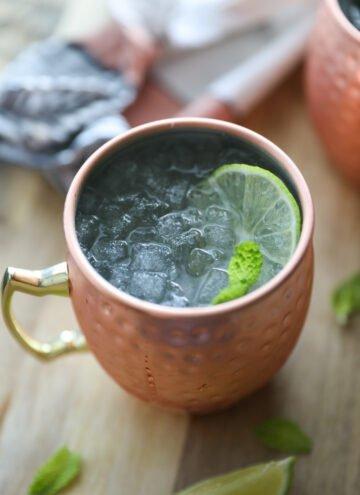 gingerbeer mocktail in copper cup
