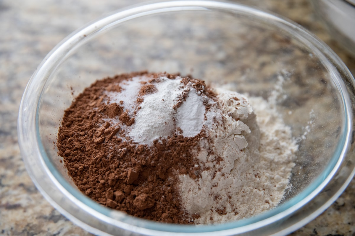 dry ingredients in glass bowl