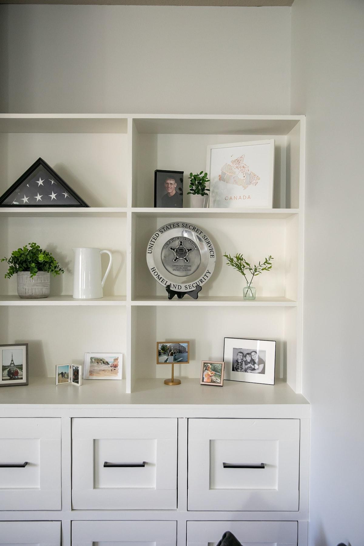 living room white built-ins
