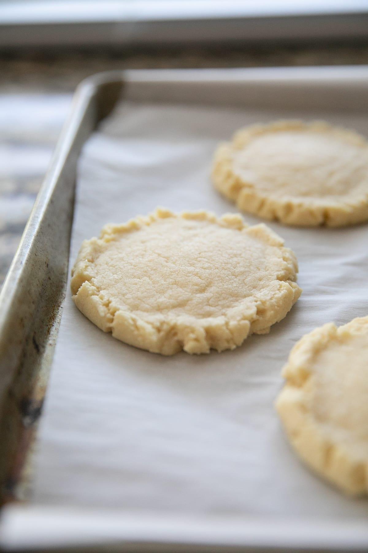 baked cookies on baking sheet