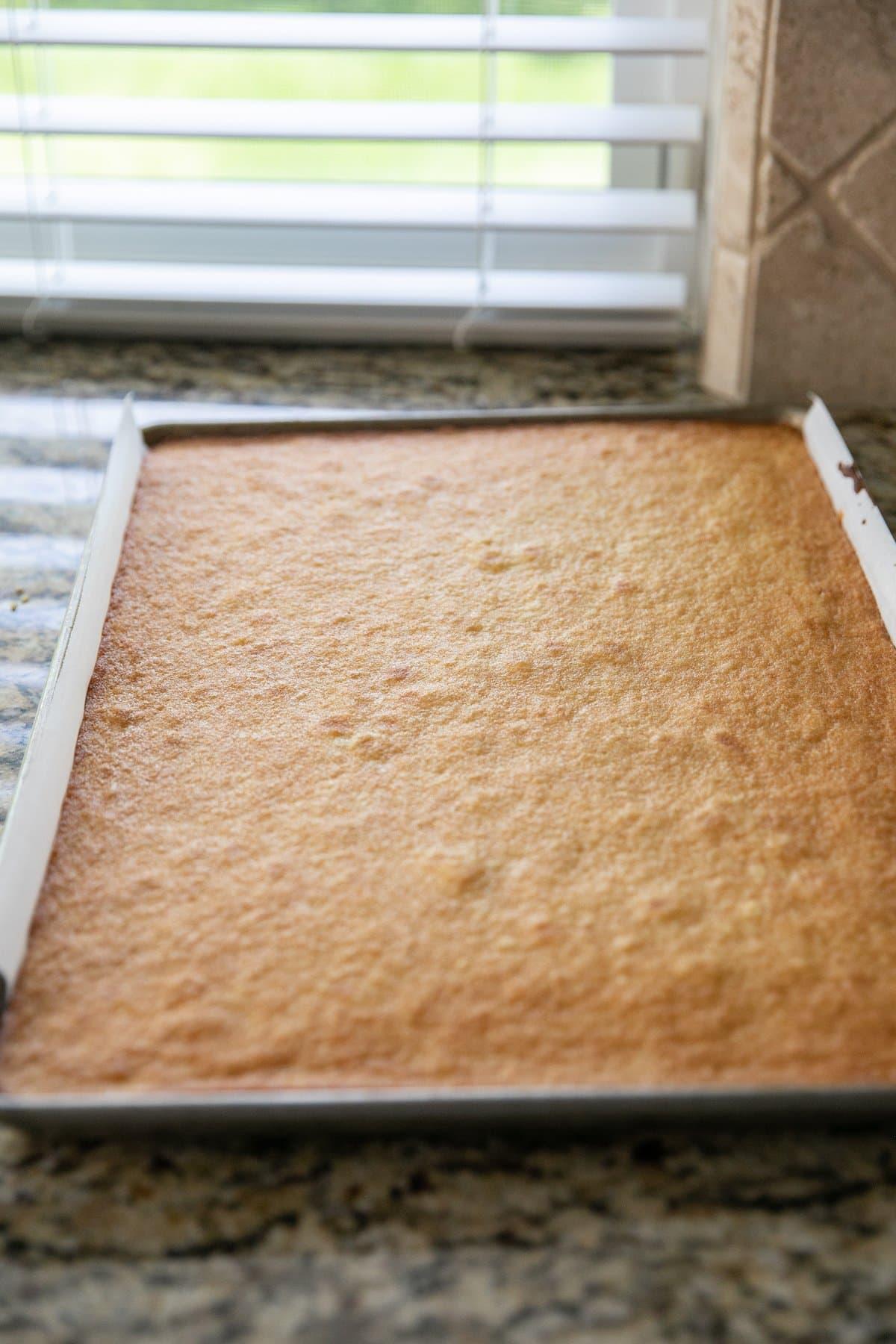baked vanilla sheet cake