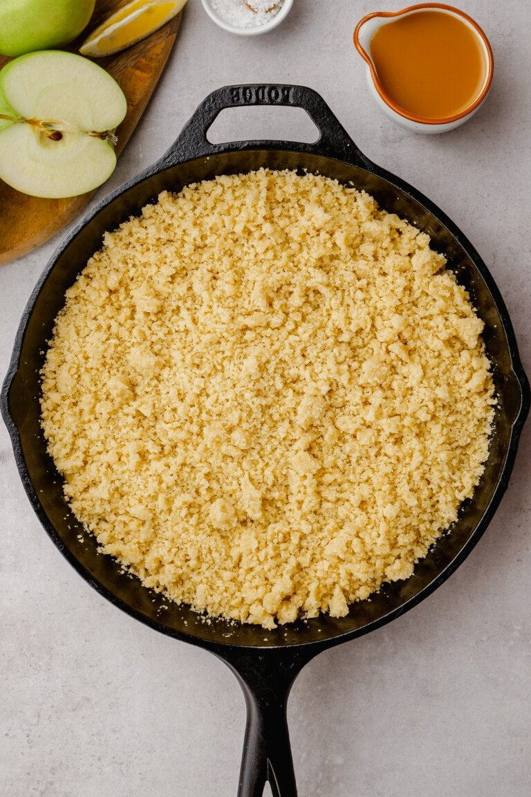 crumble topping on top of salted caramel apples